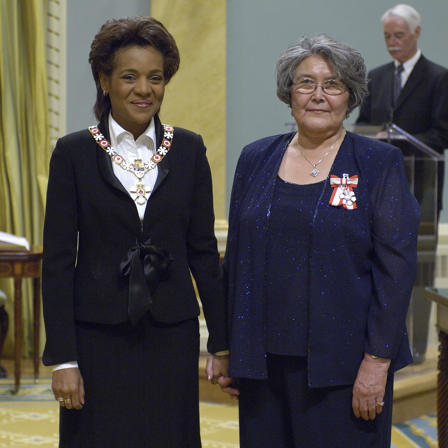 Bertha Allen (right) and the Governor General, Michaëlle Jean.