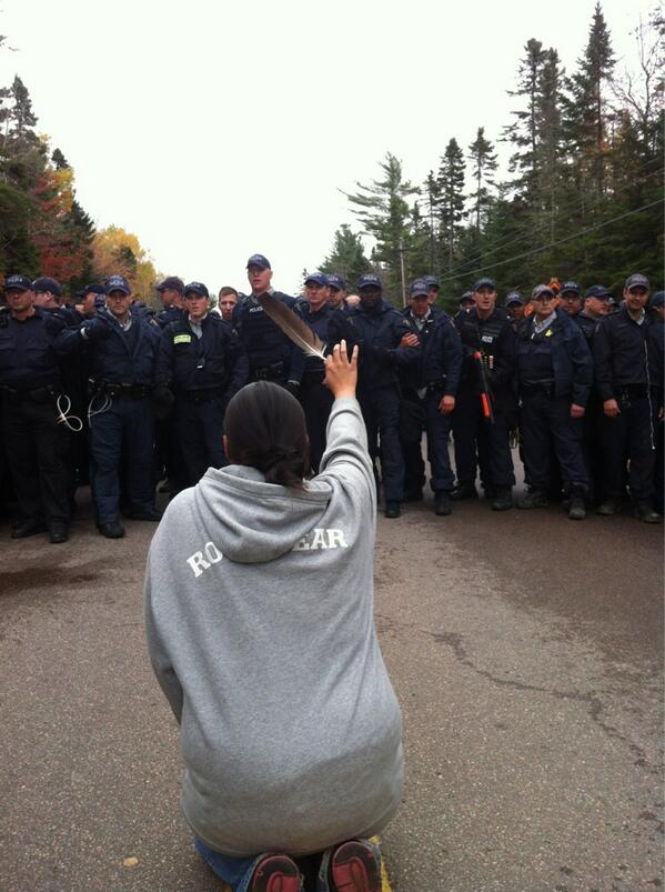 Elsipogtog protester faced down by RCMP - Photo Ossie Michelin APTN
