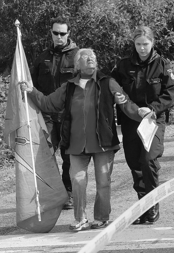 Harriet Nahanee arrested at Eagleridge Bluffs in May, 2006.